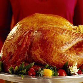 Gà tây nhồi món ăn hấp dẫn trong tiệc giáng sinh của người Mỹ