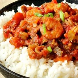 Tôm sốt nên ăn cùng với cơm trắng