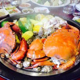 Lẩu hơi hải sản 2 tầng tại nhà hàng Vườn Bia Hà Nội