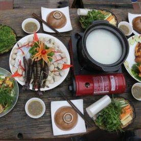 Lẩu Cháo: Món ngon khó cưỡng tại Quán Cá Lã Vọng (Hoàng Cầu)